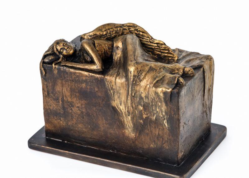Луксозна урна за кремация Ангел
